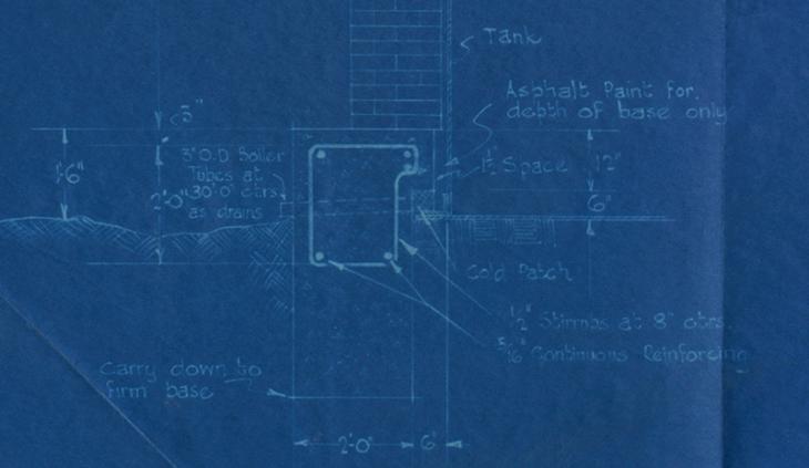 طبعة زرقاء لرسم بياني يُظهر طريقة مقترحة لإنشاء غطاء واقي من الطوب لخزانات التكرير في محطة تكرير النفط بالبحرين، ١٩٣٢. IOR/R/15/2/661، ص. ٣١٠