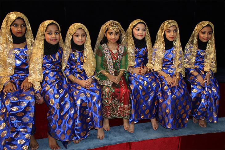 Opana dancers, during the performance in Kuwait in May 2014. Image: author's own