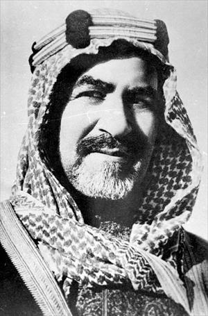 Shaikh Aḥmad al-Jābir Āl Ṣabāḥ (1885–1950) later in life. Ahmad was the ruler of Kuwait from 1921 until his death. Image via Wikicommons.