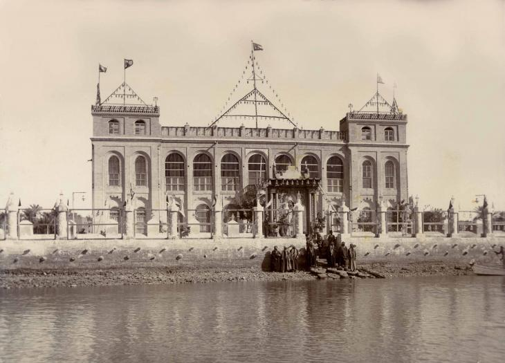 Shaikh Khaz'al's palace, Qasr al-Failiyah in Mohammerah, 1921. Public Domain