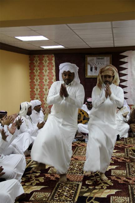 Dancers dancing during a Ṣawt performance in Qatar, December 2013. Image: author's own