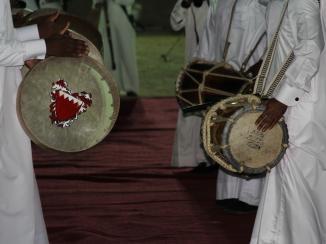 النمط المتشابك يلتقي بالشعر العربي: الأنواع الموسيقية في المنطقة الجغرافية العليا من الخليج العربي